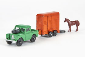 Dinky Toys 073 Land Rover and Horse Trailer